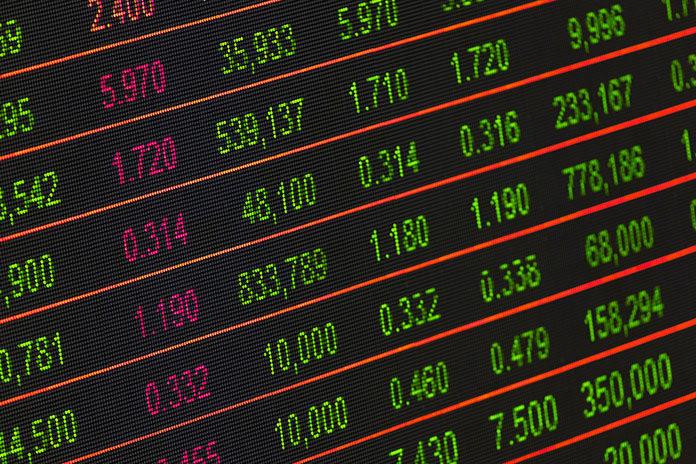 Jak działają fundusze absolutnej stopy zwrotu? Jak w nie inwestować? Od czego zacząć? Poradnik dla początkujących