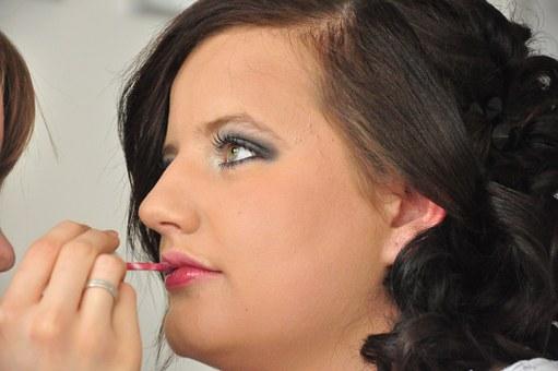 Ile zarabia kosmetyczka