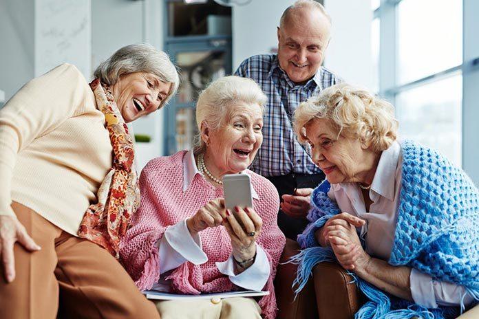 Telefon dla seniora z dodatkowymi funkcjami
