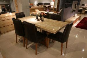 Stół w stylu prowansalskim - ozdoba twojej kuchni lub jadalni